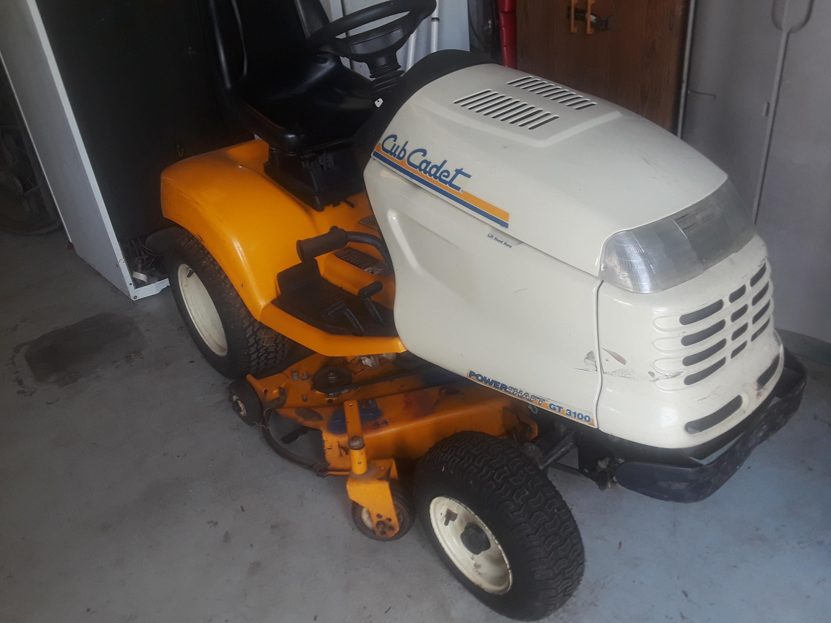 GT 3100 Cub Cadet Lawn Tractor Operator/'s Manual Model No
