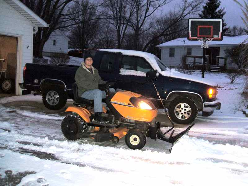 Plowing snow with a Cub i1046 - MyTractorForum com - The Friendliest
