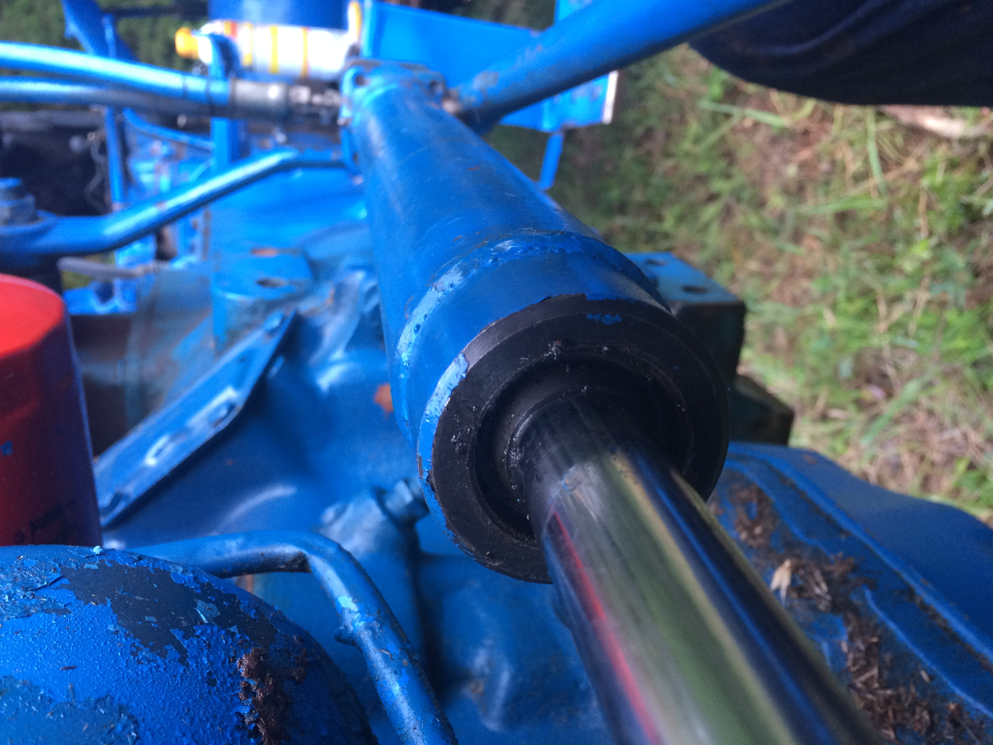 Ford 4000 power steering cylinder - MyTractorForum com - The