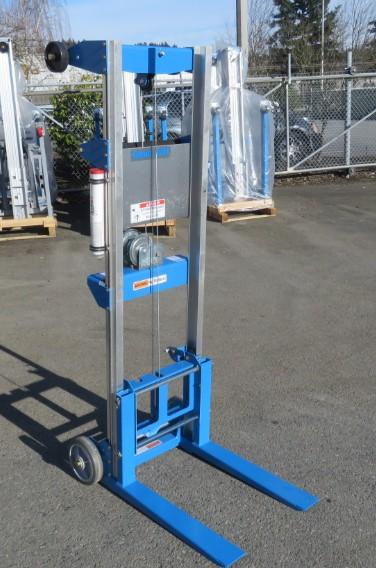 Click image for larger version  Name:Forklift2.jpg Views:22 Size:72.2 KB ID:2368111