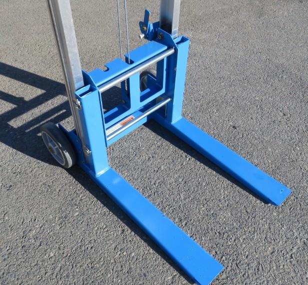 Click image for larger version  Name:Forklift4.jpg Views:11 Size:154.1 KB ID:2368115
