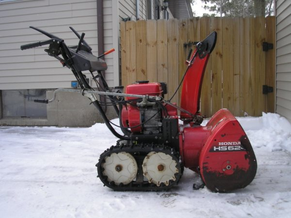 Should I This Honda Trac Drive Mytractorforum The Hs624 Hydrostatic Track Snow Er
