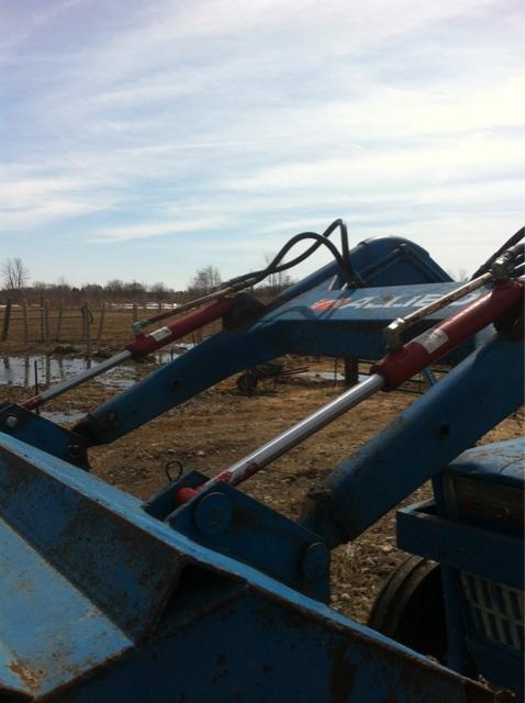 Bucket tilt issues - MyTractorForum com - The Friendliest Tractor