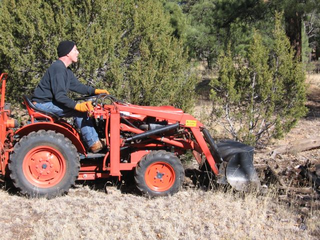 B6100 - Changing hydraulic hoses for bucket - MyTractorForum