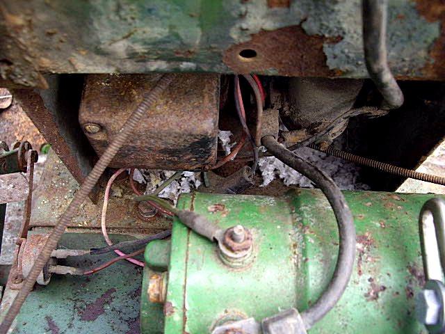 Click image for larger version  Name:John deere 112 wiring mess.jpg Views:266 Size:105.7 KB ID:228281