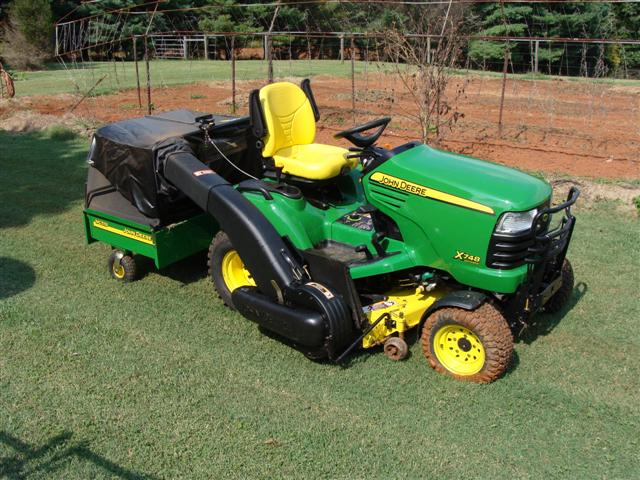 X300 Vs X320 X500 For Leaf Cleanup Mytractorforum The Item 2016 John Deere 7 Bushel Rear Bagger System Locationid 21340