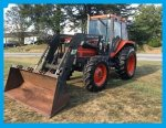 Very Nice Kubota M7580 4x4 Cab Loader Tractor with Only 2813 Hours