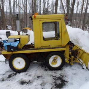 Snowline -wisconsin 4 Cyl. Tractor